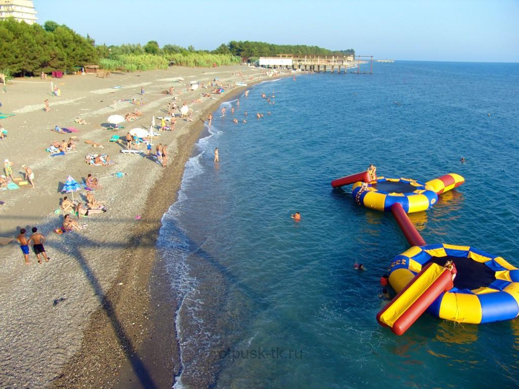 Пицунда летом море и пляж